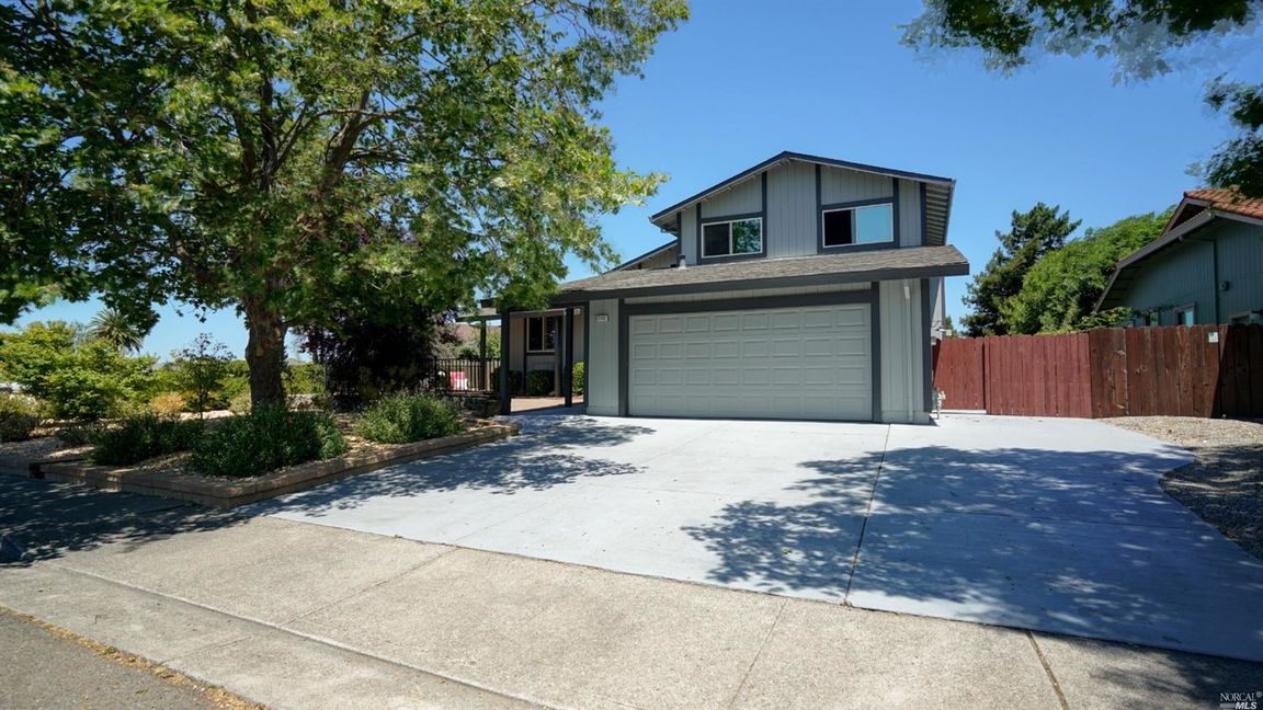 2132 Willow Drive, PETALUMA, California