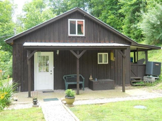 131 SKEEN CEMETERY RD Wooton KY 41776 id-839328 homes for sale